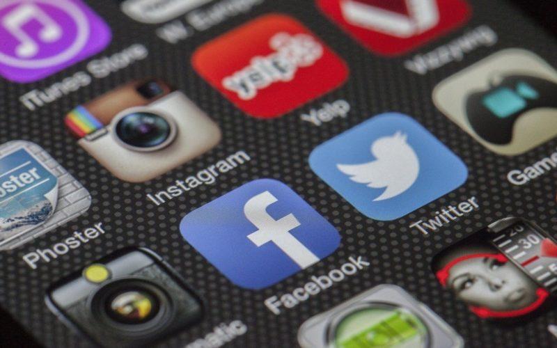 immagine social media expert articoli